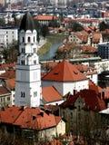 全景从城堡小山到卢布尔雅那市中心和Ljubljanica河 免版税图库摄影