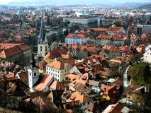 全景从城堡小山到卢布尔雅那市中心在斯洛文尼亚 库存照片