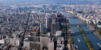 巴黎全景从艾菲尔铁塔的 免版税库存图片