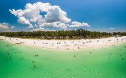 全景Coquina的海滩 免版税库存照片
