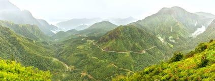 全景O Quy Ho通行证,老街,越南 库存图片