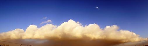 全视图的云彩 库存照片