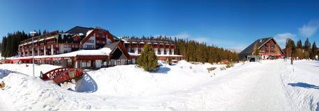 全部健康旅馆全景在Jasna低Tatras 免版税库存图片