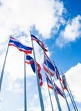 全部在蓝天的泰国旗子 库存图片