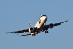 全部波兰航空公司巴西航空工业公司ERJ-195 免版税库存照片