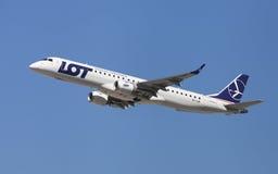 全部波兰航空公司巴西航空工业公司ERJ-195 库存照片