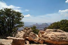 全部的峡谷俯视岩石 免版税库存图片