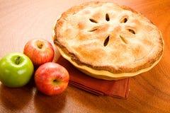 全部的苹果饼 免版税库存照片