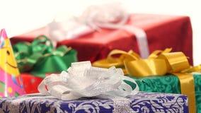 全部箱子、礼物栓与丝带和弓 股票视频