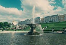 全部级联 Peterhof宫殿 免版税库存图片