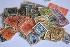 全部老被烙记的邮票 免版税库存图片