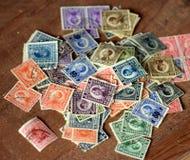 全部老被烙记的邮票 库存照片