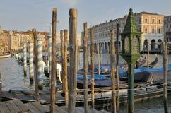 全部运河的长平底船 图库摄影