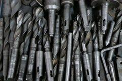 全部金属的钻头在堆放置 免版税图库摄影