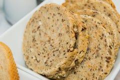 全麦面包切片 库存图片