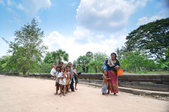八母亲和儿子 免版税库存图片