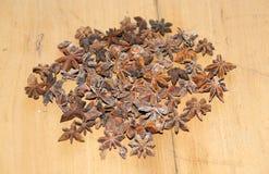 八角茴香 茴香美丽的异乎寻常的香料星形 免版税库存图片
