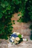 八仙花属婚姻的新娘花束, Astilba,在的Lisianthus 免版税库存图片