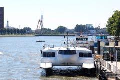 公共交通工具Waterbus,鹿特丹,荷兰 库存照片