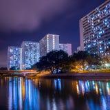 公共住房夜视图在香港 免版税库存照片