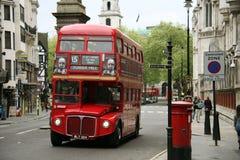 公共汽车伦敦重要资料途径 免版税库存照片