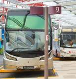 公共汽车停车处在机场 新加坡 免版税库存图片