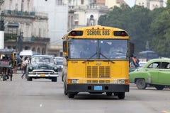 公共汽车哈瓦那学校 免版税库存图片