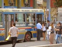 公共汽车在布宜诺斯艾利斯 免版税库存照片