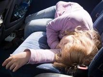 公共汽车女孩休眠的一点 免版税库存图片