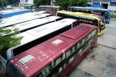 公共汽车批次停车 库存图片