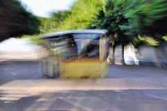公共汽车移动 库存照片
