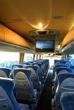 公共汽车空的内部 免版税库存照片