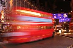 公共汽车经典伦敦晚上 库存照片