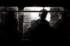 公共汽车运载的人员 库存图片