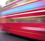 公共汽车速度 免版税库存照片