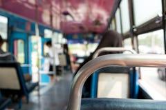 从公共汽车里边的看法 免版税图库摄影