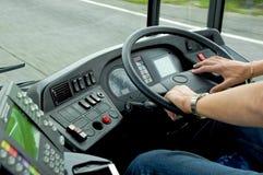 公共汽车驱动 免版税库存照片