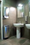 公共空间洗手间 库存照片