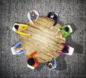 公务便装配合讨论会议计划概念 免版税库存照片