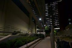 公司复合体的夜视图 免版税库存图片