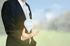 公司的社会责任(CSR)概念 商人举行 免版税图库摄影