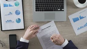 公司雇员读书购买协议,交易的期限和条件 股票视频