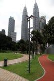公园和KLCC塔 免版税图库摄影