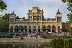 公园咖啡馆在VondelPark在阿姆斯特丹 免版税库存照片