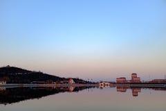 公园的日落视图在天津,中国 免版税库存图片