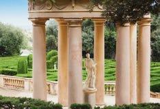 公园眺望台意大利样式列。 免版税库存图片