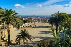 从公园Guell巴塞罗那,西班牙的看法 免版税库存照片