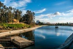公园Moret的湖在韦尔瓦省,西班牙 免版税图库摄影