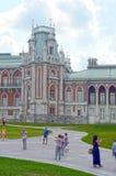 公园Tsaritsyno 全部宫殿 建筑师卡扎科夫 八个有角塔 冒充的Gothik 库存照片