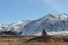 公墓在吉尔吉斯斯坦的塔拉地区 免版税库存图片